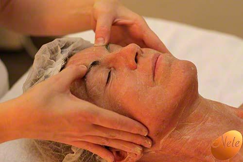 Stimulerende gezichtsmassage