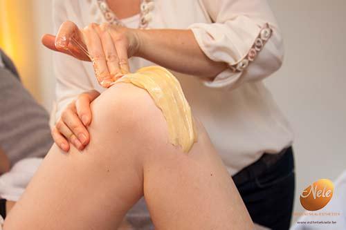 wellness-esthetiek-nele-gistel-epilatie-knieen-met-suiker-suikerepilatie-sugaring-epilatie-met-de-unieke-pandys-suikerpasta-4