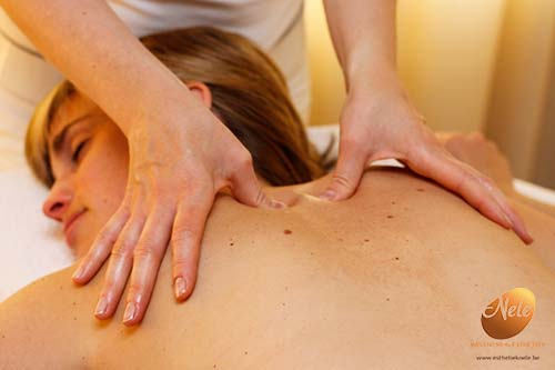 wellness-esthetiek-nele-gistel-phyto-5-ontspannende-rugmassage-massage-van-de-rug-2